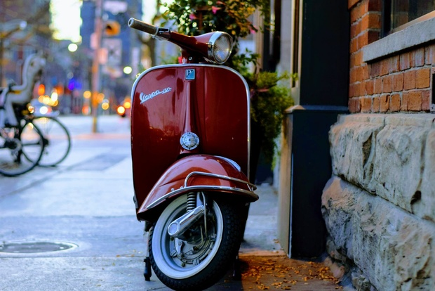 Vespas to be banned in birthplace of Genoa — Italianmedia