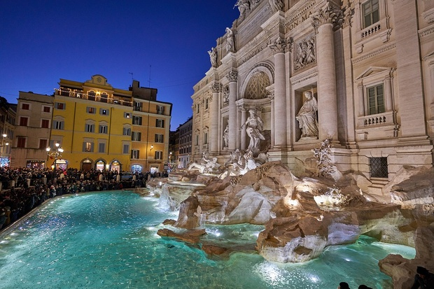 Image Result For Rome Is Planning To Build Barrier Fontana Trevi